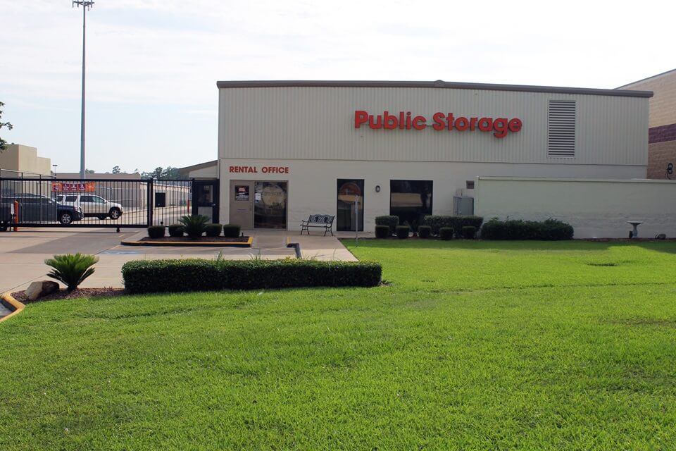 public storage 1450 i 45 south conroe tx 77304 exterior