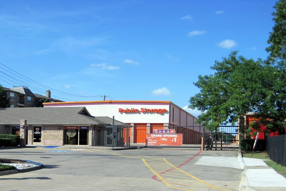 public storage 2320 n central expy dallas tx 75204 exterior