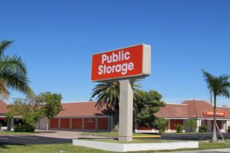 public storage 2235 colonial blvd fort myers fl 33907 exterior 1