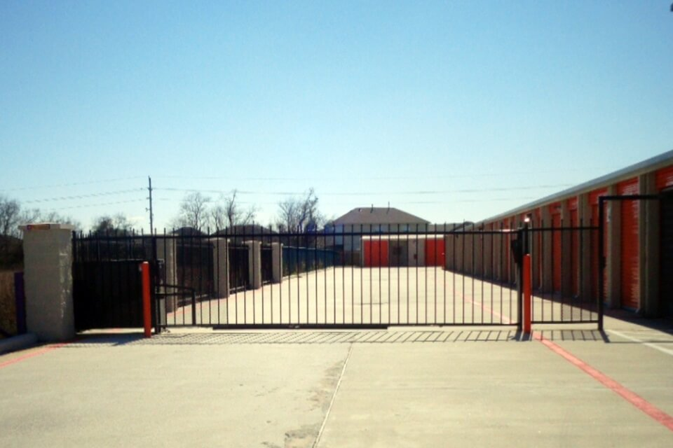 public storage 2930 county road 59 manvel tx 77578 security gate
