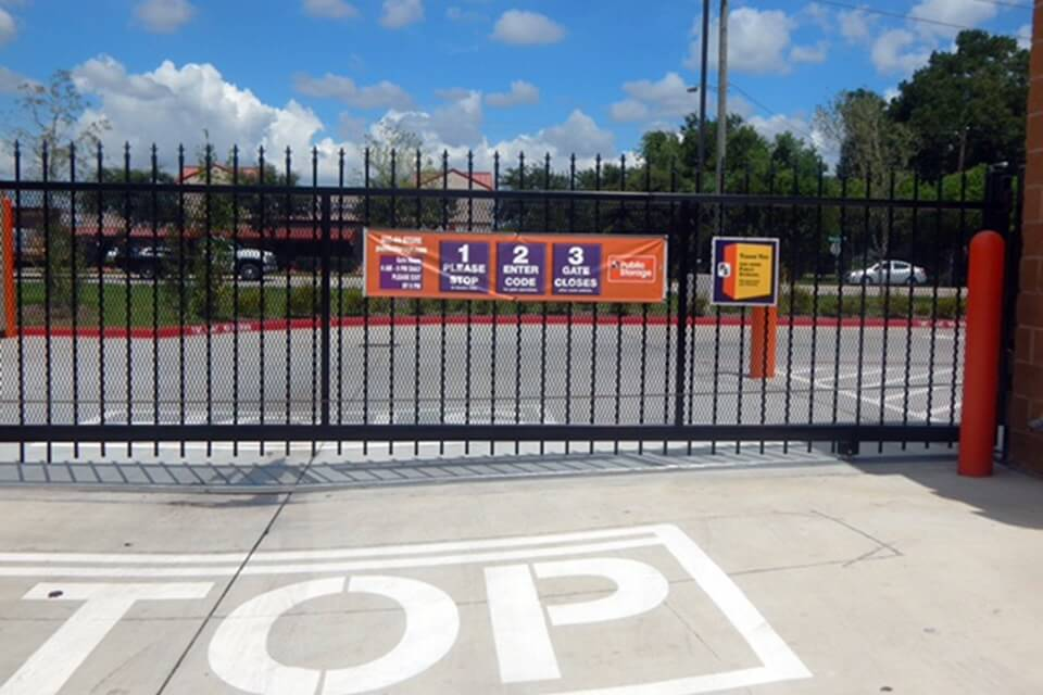 public storage 2760 brownstone place pearland tx 77584 security gate