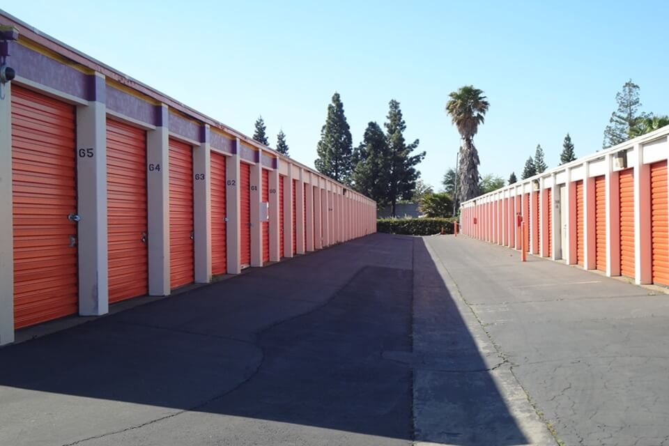 public storage 1820 frienza ave sacramento ca 95815 units