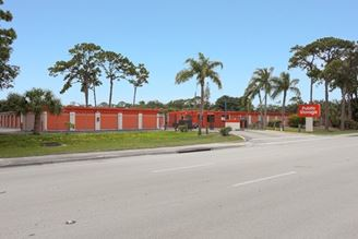 public storage 8755 n military trail palm beach gardens fl 33410 1 exterior 1a
