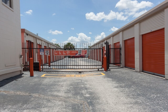 public storage 1625 state road 436 winter park fl 32792 security gateb