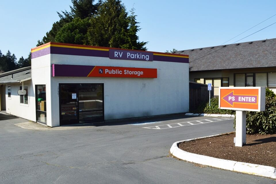 public storage 17501 se mcloughlin blvd milwaukie or 97267 exterior