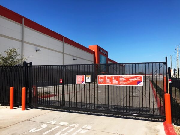 public storage 20602 gulf freeway webster tx 77598 security gate