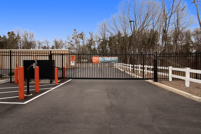 public storage 901 middle country rd middle island ny 11953 security gate