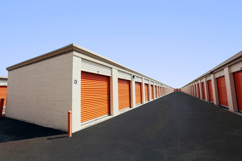 public storage 18450 ne 5th ave miami fl 33179 units