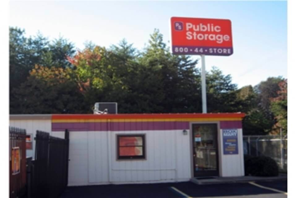 public storage 28 woods lake road greenville sc 29607 exterior