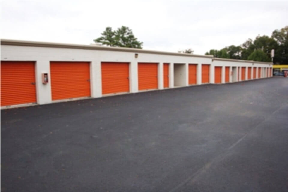 public storage 4910 poplar ave memphis tn 38117 units
