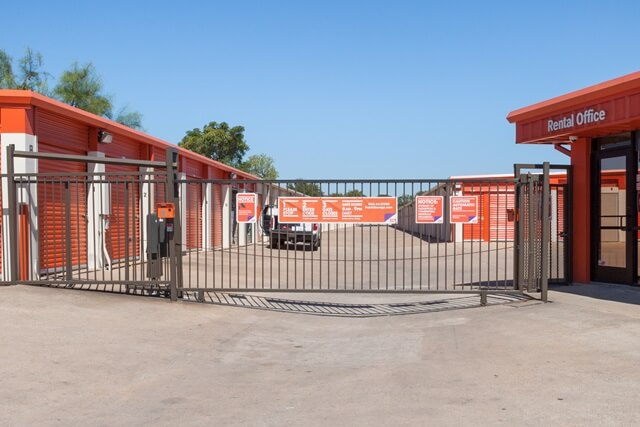public storage 5016 e ben white blvd austin tx 78741 security gateb