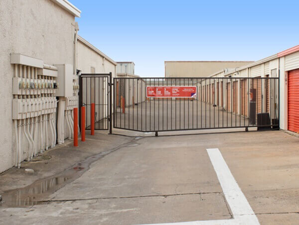 public storage 4202 santiago street austin tx 78745 security gate