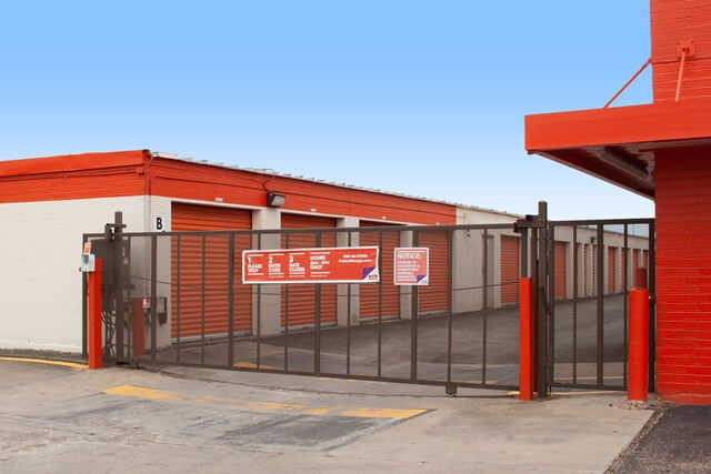 public storage 9710 plainfield road houston tx 77036 security gatea