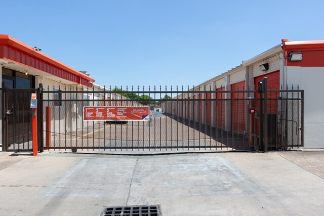 public storage 2305 south dairy ashford houston tx 77077 security gatea
