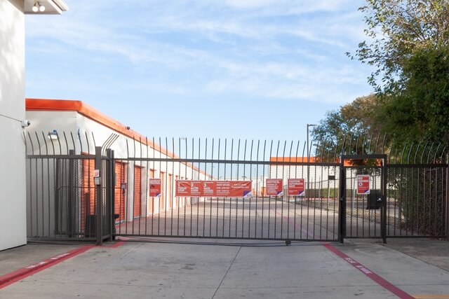 public storage 2861 walnut hill lane dallas tx 75229 security gateb