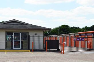 public storage 5707 bingle road houston tx 77092 exterior 1