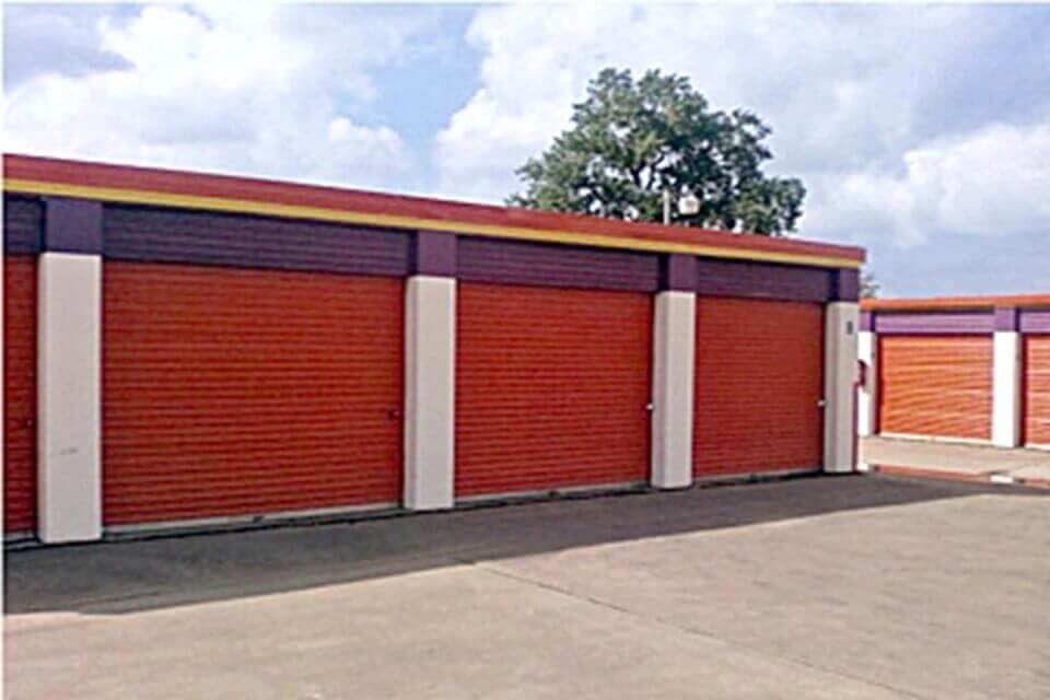 public storage 100 n collins 101 arlington tx 76011 units