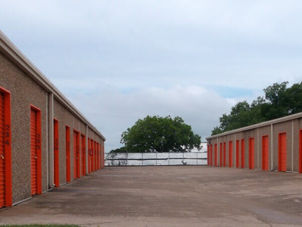 public storage 3008 west division street arlington tx 76012 units