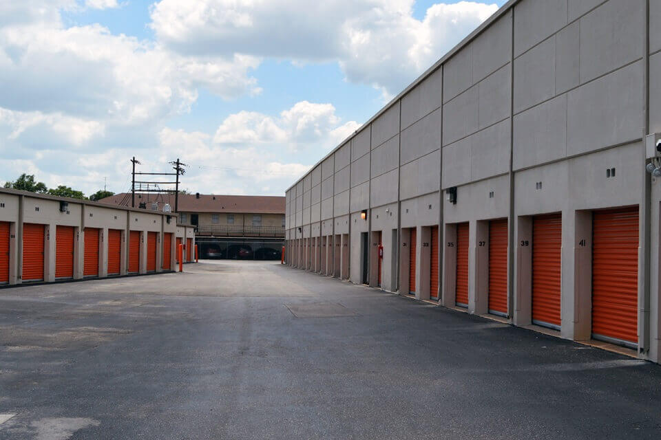 public storage 9223 long point houston tx 77055 units
