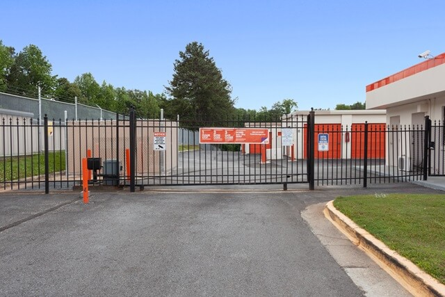 public storage 3375 n druid hills road decatur ga 30033 security gateb