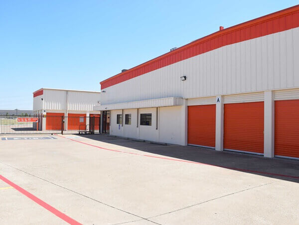 public storage 11085 walnut hill lane dallas tx 75238 exterior