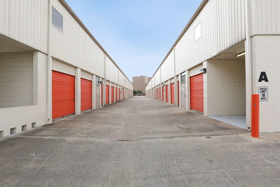 public storage 7701 s main street houston tx 77030 units
