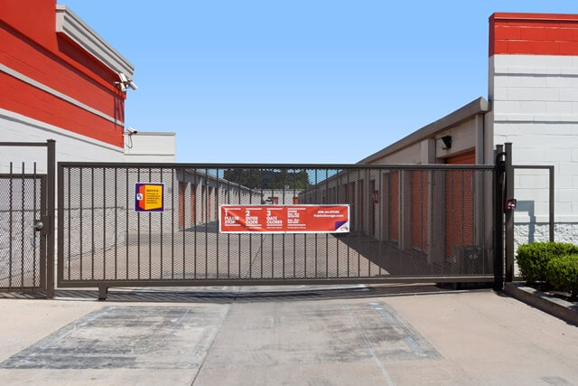 public storage 11900 katy freeway houston tx 77079 security gatea
