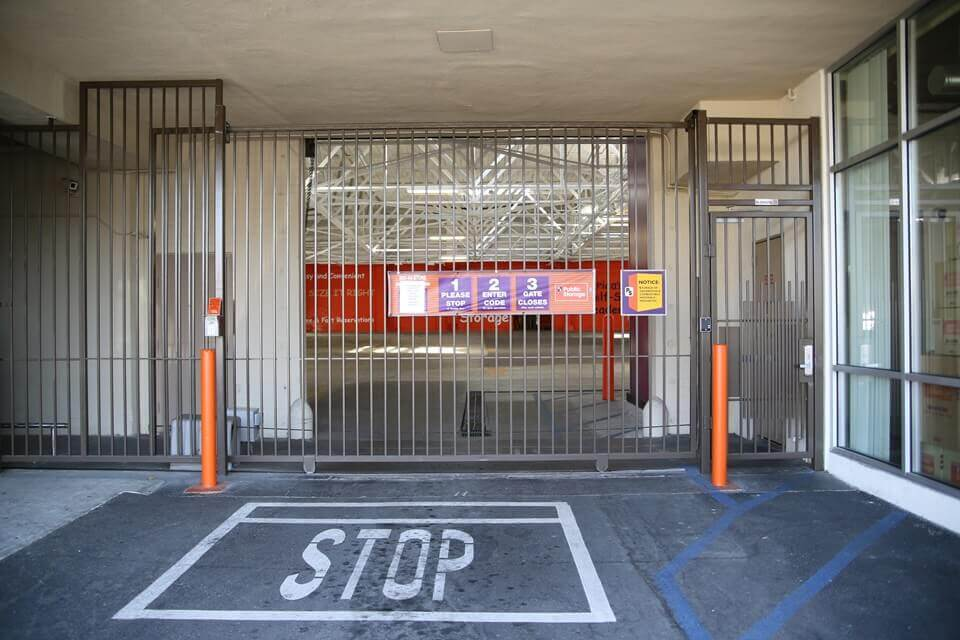 public storage 3636 beverly blvd los angeles ca 90004 security gate