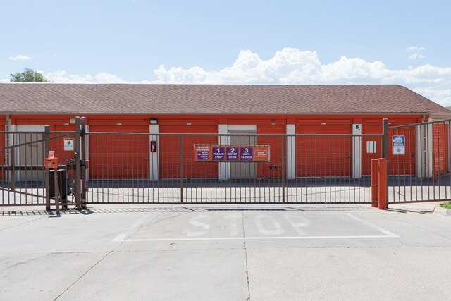 public storage 5080 leetsdale dr denver co 80246 security gateb