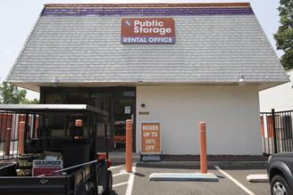 public storage 500 s flowers mill road langhorne pa 19047 exterior 1