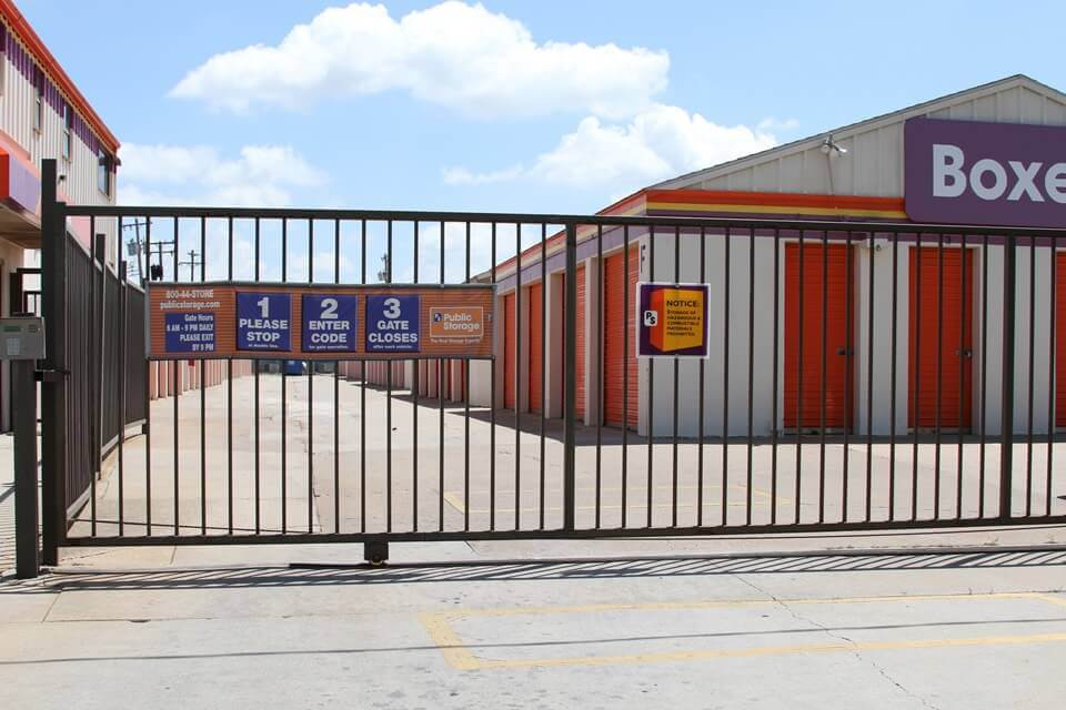 public storage 8012 s santa fe oklahoma city ok 73139 security gate