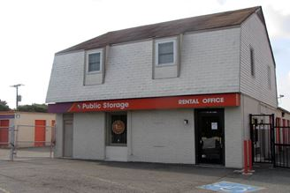 public storage 1717 bloom lane richmond va 23223 exterior 1